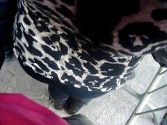 زن داستان کون کیر مسلمان بوست به نوعی شرمنده است که در روز روشن با مرد خود را لعنتی کند ، اما او بسیار پایدار است و دختر نمی تواند از سوار کردن دیک بین سینه های خود امتناع ورزد و او را با دستمال لعنتی کند.