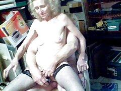 سکس لعنتی در عکس کیرکس سکسی اتاق نشیمن